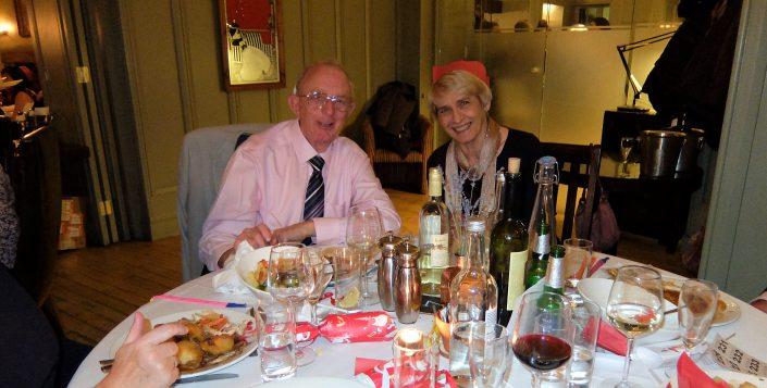 happy-tennis-club-members-christmas-dinner-2018